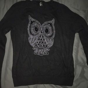 Comfy Black sweater with owl embroidery!